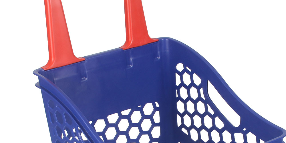 The Polycart shopping basket has a handle, at hand height, for easy use in the store. Hergomic, comfortable and functional
