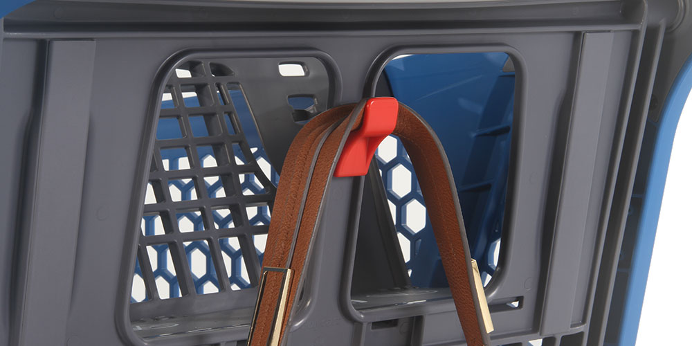 The hanger of the model P240 by Polycart allows to hang bags or baskets in the shopping cart